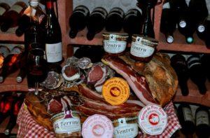 userfilesimagesart-de-vivreProduit-corsePietraCorsica20Colis580_____corsica-colis-charcuterie-corse_726.jpg