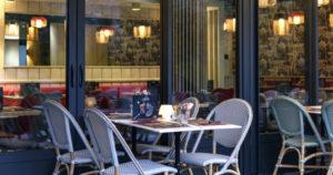 userfilesimagesart-de-vivrerestaurantsGrill20Comptoir20Courtepailleterrasse20courtepaille20.jpg