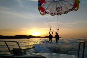 vol-en-parachute-au-coucher-de-soleil-corse-du-nord-maxi