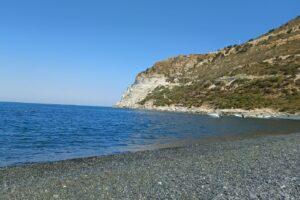 esplorazione-in-corsica-plage-galets
